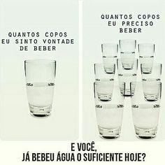 Você sabia que seu corpo precisa de água para funcionar melhor?! Por isso, não deixe de tomar pelo menos 8 copos de água por dia, combinado? #dietaesaudeoficial #dietads #dicadanutri #água #vidasaudável #mudançadehábito #regram #repost