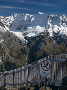 A funny sign on the trail to Schilthorn, don't go hiking on stiletto heels in the Swiss Alps :) (by silverkeys)