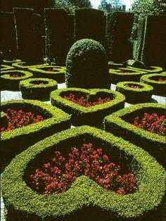 25 Ideas for Fabulous Boxwoods --> http://www.hgtvgardens.com/shrubs/25-ideas-for-fabulous-boxwood-designs?soc=pinterest&s=17