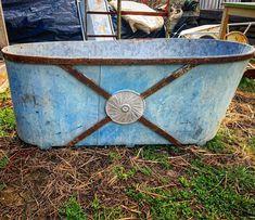 "Larry Licata and Judit Gati on Instagram: ""www.antiquebuyingtrips.com #bathtub #vintagebathtub #antiquebathtub #vintagezink #vintagegalvanized #zinkbadkar #farmhousedecor…"" Antique Bathtub, Vintage Bathtub, Hungary, Farmhouse Decor, Antiques, Stuff To Buy, Antiquities, Antique, Old Stuff"