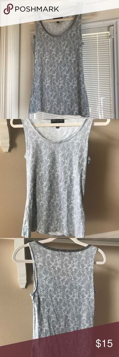 Ladies tank top Perfect top for the office! Light gray, sleeveless blouse Banana Republic Tops Blouses