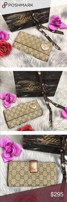 999488e1d Auth GUCCI GG Supreme Heart Trifold Wallet 💛 Authentic GUCCI GG Supreme  Heart Trifold Metallic