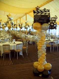 hollywood balloon arch | Hollywood themed party