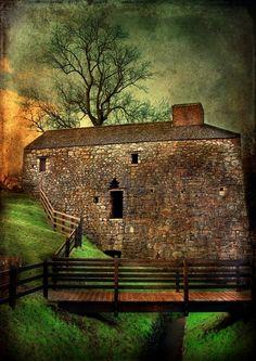 Barn in Scotland by Linda Hohn