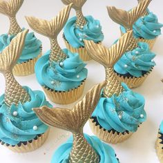 Mermaid cupcakes! @blushbakeryca Ocean Theme Cupcakes, Love Cupcakes, Themed Cupcakes, Mermaid Cupcake Cake, Mermaid Birthday Cakes, Cupcake Cakes, Ocean Party Decorations, Ocean Cakes, Little Mermaid Parties