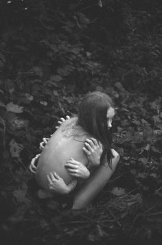 Who do you cling to? Or do other's needs overwhelm you? Whimsical Photography, Dark Photography, Macabre Photography, Surrealism Photography, Conceptual Photography, Photography Ideas, Cthulhu, Creepy, Scary
