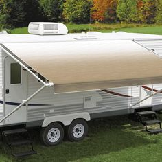 "Carefree's Camel Shale Fade Roll Out Awning features a superior vinyl fabric construction called ""Weatherguard"" – this protects the fabric from the sun, scrapes and exposure when the awning is rolled up. The Carefree Fiesta has long been a favourite amongst Australia RVers. The 8' – 14' awnings project up to 7'3"" (221cm) while awnings from 15' – 21' project up to 7'9"" (236cm)."