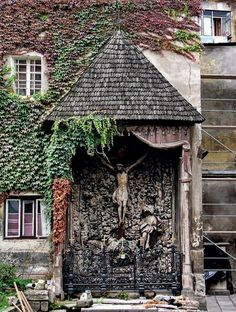 via Wooden sculpture in armenian quarter, a photo from Lvivska, West | TrekEarth Lviv, Ukraine
