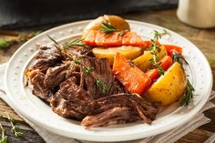 Slow Cooked Beef: Cross Rib Roast Recipe - Meals And Memories Are Made Here Crock Pot Recipes, Pot Roast Recipes, Slow Cooker Recipes, Beef Recipes, Cooking Recipes, Cross Rib Roast Recipe Crock Pot, Game Recipes, Best Elk Roast Recipe, Homemade Pot Roast Seasoning Recipe