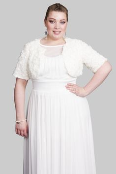 """Featuring soft elbow sleeves, and beautifully lined with silky soft toulouse. Perfect for you special day!   Model: size 16 and 5'9""""/175 cm tall"""