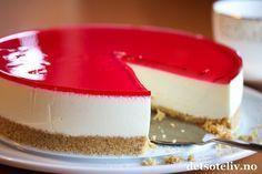 Ekstra lett ostekake | Det søte liv Pudding Desserts, Lchf, Summer Recipes, Panna Cotta, Nom Nom, Cheesecake, Food Porn, Food And Drink, Letter