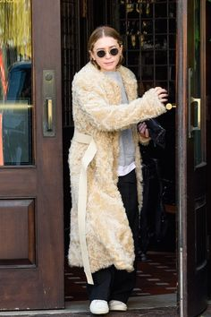 Olsens Anonymous Blog Ashley Olsen Twin Style Fall Winter It Coat Shearing Long Faux Fur Crewneck Sweatshirt Wide Leg Pants Sneakers Sunglasses