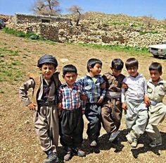 👏👏💕💕💕 kurdish children's We Are The World, People Of The World, Beautiful Children, Beautiful People, Wine Wallpaper, The Kurds, Native American Wisdom, World View, Kurdistan
