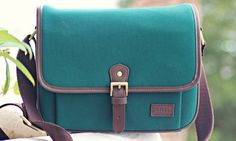 There is such a thing as a cute camera bag! ideer Lockwood DSLR Camera Bag UK Review | This Girl Loves