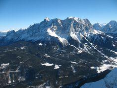 Die Zugspitze (Bayern) - mit 2962 Metern über Normalhöhennull die höchste Erhebung Deutschlands. Westansicht.