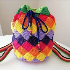 Ines Wolf | VK Crochet Backpack, Drawstring Backpack, Mochila Crochet, Crochet Projects, Bucket Bag, Purses And Bags, Backpacks, Knitting, Handmade
