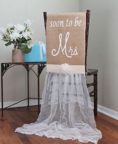 trendy ideas for bridal shower sash the bride wedding chairs Bridal Shower Chair, Tea Party Bridal Shower, Bridal Shower Signs, Bridal Shower Rustic, Wedding Showers, Rustic Bridal Shower Decorations, Wedding Rustic, Trendy Wedding, Cute Bridal Shower Gifts
