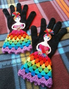 Crochet Patterns Gloves Crochet Gloves – The Upcycled Rainbow Fairy Princess Crochet Mitts, Crochet Gloves Pattern, Knit Crochet, Crochet Patterns, Crochet Scarves, Love Crochet, Crochet For Kids, Beautiful Crochet, Crochet Baby