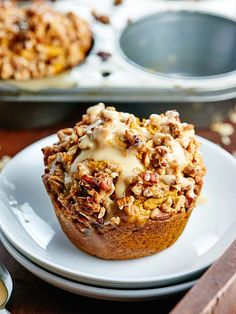 Vegan Pumpkin Muffins via @showmetheyummy
