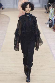 Chloé Fall 2016 Ready-to-Wear Fashion Show - Damaris Goddrie