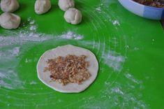 Puha diós tekercsek, napokig eltartható ínycsiklandó ünnepi aprósütemény! - Bidista.com - A TippLista! Grains, Pastries, Basket, Dios, Tarts, Seeds, Korn