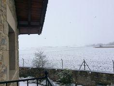 Y la nieve ha llegado a #Arkaia #turismo #rural junto a #Vitoria #Gasteiz #accesible #ecología #igerseuskadi #igersgasteiz #snow #elurra @nekatur_nekazalturismo_elkarte @turismo_vitoria @agrotravel @toprural @lonelyplanet_es