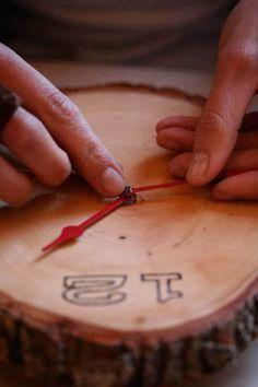 Make It: A Rustic Wooden Clock