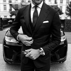 The gentlemens football brand - - - - #menfashion #poloralphlauren #jamesbond #officialroses #bespoke #style #menstyle #menwithclass #classygentlemen #menswear #elegant #gentleman #gentlemen #satorial #luxury #italianstyle #luxurylife #millionnairelifestyle #beckham #beckhamstyle #class #fashionweek#billionnairelifestyle #championsleague #modus #tenlegend #myplmorning #menwithclass #footballplayer #londonlife #arsenalfc London Life, Arsenal Fc, Italian Style, Luxury Life, James Bond, Football Players, Beckham, Bespoke, Gentleman