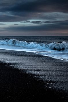 "xglan: "" A black sand and sea © """