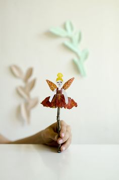 Fairy Leaf Puppets - willowday