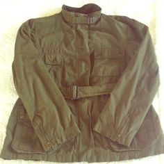 Gap Army Green Utility Jacket Beautiful army green utility jacket with lots of pockets. Has zip up and button closure. Zips at wrist and belt which can me removed if desired. In excellent used condition. GAP Jackets & Coats Utility Jackets