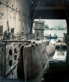 Das Boot Film, German Submarines, Boat Art, Armada, Army & Navy, Navy Ships, Luxury Yachts, Antarctica, Battleship