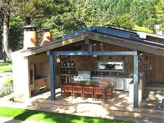 I like this too with the outdoor kitchen and entertaining area enclosed...very nice and cozy. Apparently this one has a veiw of the Pacific Ocean....fancy schmanzy!
