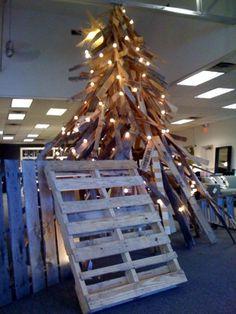 pallet ideas, pallet christmas tree