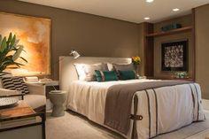 Outono: dicas de decoração para deixar a casa mais aconchegante Dark Grey Walls, Coral, Cozy House, New Homes, Room Decor, Bedroom, Furniture, Country, Ideas