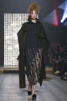 Vivienne Westwood Ready To Wear Fall Winter 2014 Paris - NOWFASHION