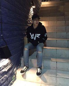 I Like Him, Love Me Like, How To Wear Shirt, Thai Tea, Theory Of Love, Gay Couple, Vixx, Boy Outfits, Leo