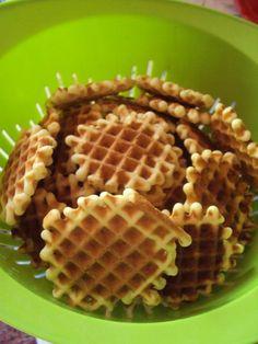 Cristina's world: Faguri cu crema de ciocolata Sweet Recipes, Cake Recipes, Romanian Desserts, Food Cakes, Fritters, Waffles, Sweet Treats, Food And Drink, Cooking Recipes
