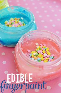Make your own edible fingerpaint with this easy recipe! Create and paint in vibrant color with your child for a fun DIY!