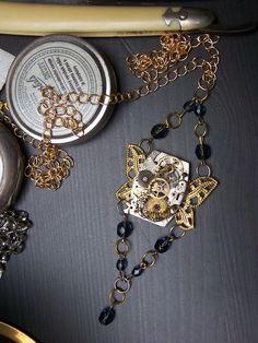 Steampunk vážka přívěsek #victorian #steampunk #historical #19th #aristocrat #photo #gothic #lady #madame #alternative #fashion #haute #couture #dark #emotive #jewels #jewelry #bracelet #necklace #handmade