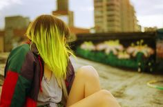 neon yellow hair with dark roots, so in love with this look!