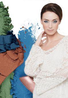 Oční stíny Emerald a Peacock Blue jsou dokonalou volbou na štědrovečerní večeři. Okouzlete blízké svým svátečním vzhledem!