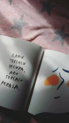 Memories make you forget Quotes Rindu, Book Qoutes, World Quotes, Dream Quotes, Tumblr Quotes, Text Quotes, People Quotes, Poetry Quotes, Daily Quotes