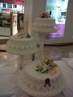 A Simple Fondant Cake