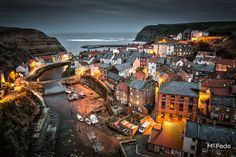 Staithes - Yorkshire coasts most photographed view. Yorkshire England, Yorkshire Dales, North Yorkshire, Places To Travel, Places To Go, England And Scotland, England Uk, Castles In England, Northern England