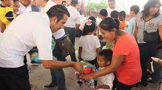 Entrega SNTE-Joven más de 600 juguetes a niños de Axochiapan y Jojutla