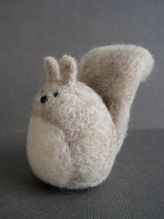 Grey+Squirrel++Wool+Needle+Felted+Sculpture+van+Woolnimals+op+Etsy