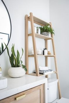 7 Intelligent storage ideas for small apartments to keep your home in order - Bathroom Decor Ideas Decor, Small Bathroom Decor, Bathroom Decor, Amazing Bathrooms, Interior, Home Decor, Toilet Storage, Room Decor, Apartment Decor