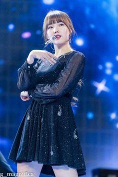 K-Pop Babe Pics – Photos of every single female singer in Korean Pop Music (K-Pop) South Korean Girls, Korean Girl Groups, Golden Disk Awards, Beauty Portrait, G Friend, Female Singers, Single Women, Pop Music, Kpop
