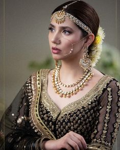 Mahira Khan stands for beauty, aesthetics and finesse. There's no better feeling than working with someone who is as passionate, talented… Pakistani Jewelry, Pakistani Bridal Dresses, Pakistani Dress Design, Pakistani Outfits, Indian Dresses, Indian Clothes, Indian Jewelry, Mahira Khan Dresses, Shadi Dresses